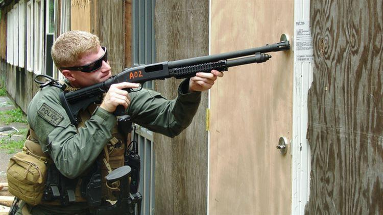 US Marine with Mossberg M500A2